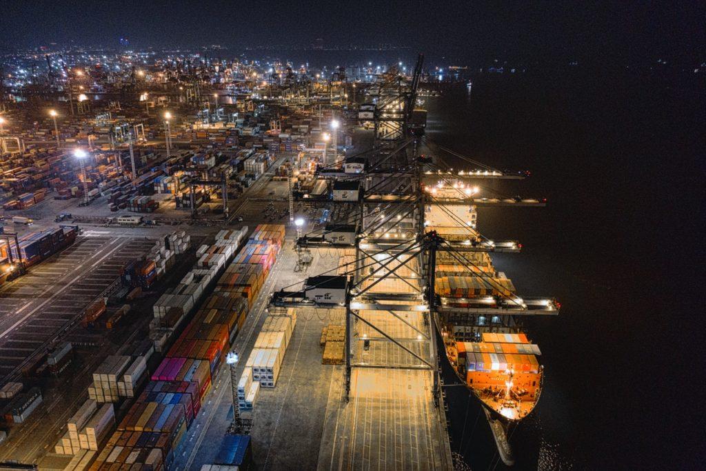 Por qué el comercio internacional no puede para a pesar del Covid19